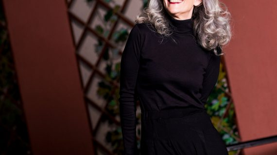 Ropa joven para mujeres con una edad